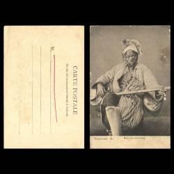Souvenir du Maroc - Un musicien ambulant - Beau plan