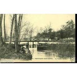 77 - Montigny sur Loing - La vanne rouge