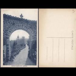 07 - Notre Dame d'Ay - Porte du village