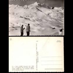 73 - Val d'Isere - Skieurs au départ de la piste Bellevarde - CPSM