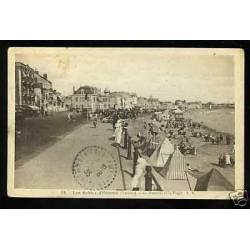 85 - Sables-d'Olonne - Le remblai et la plage