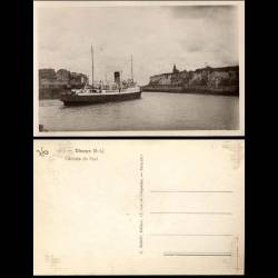 76 - Dieppe - L'entree du port - Paquebot