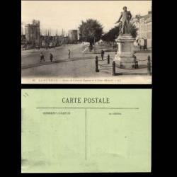 17 - La Rochelle - Statue de l'Amiral Duperré et le cours Richard