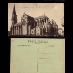 24 - Bergerac - Eglise Notre Dame et le marché animé