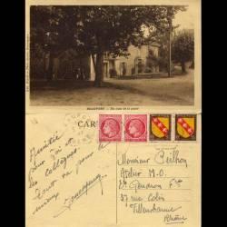 38 - Beaufort - Un coin de la place - 1947