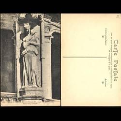 41 - Chateau de Blois - Aile François 1er - Le grand escalier - Statue de J. Go