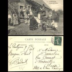 44 - Au Pays du Sel - La danse des Paludiers - 1908 - Beau plan animé