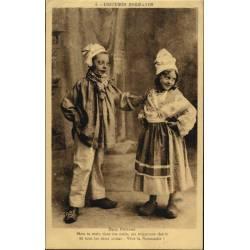 14 - Costumes Normands Deux...