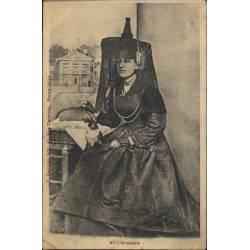 01 - Bressane en costume