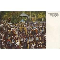 Ceylan - Kandy - Procession Boudhiste