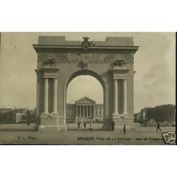 49 - Angers - Fete de la victoire - Arc de triomphe