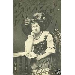 67 - Jeune alsacienne lisant - Costume