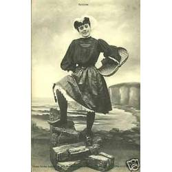 85 - Jeune sablaise et son panier