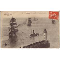 76 - Fecamp - Navires terre-Neuviers en rade