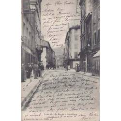69 - Tarare - La rue de la République - Animée