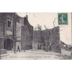 50 - Granville - Gde porte et les remparts