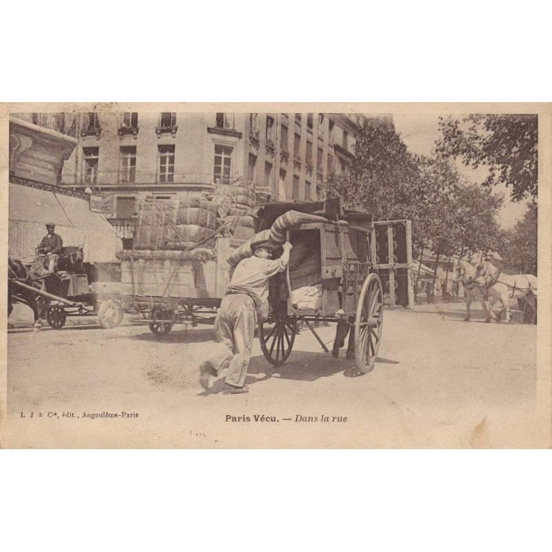 75 - Paris vécu - Dans la rue - Voiture de déménagement