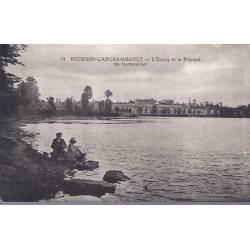 03 - Bourbon l'Archambault - L'etang et le prieure