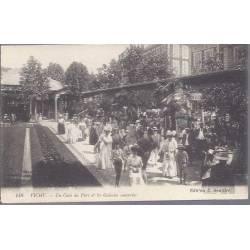 03 - Vichy - Un coin du parc et les galeries