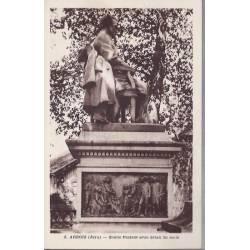39 - Arbois - Statue de Pasteur