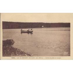 43 - Lac du Bouchet - Partie de pêche en barque