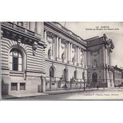 44 - Nantes - entrée du musée des beaux-arts