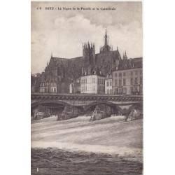 57 - Metz - Digue de la Pucelle et cathédrale
