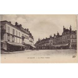 89 - Avallon - La place Vauban