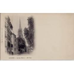 64 - Bayonne - La rue Thiers - Dos non diuvisé