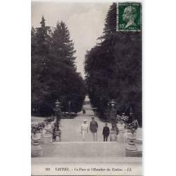 88 - Vittel - Le Parc et escalier du casino