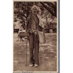 Inde - A beggar - Un Mendiant - Pliée