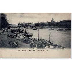 Paris - Pont des Arts et la Cité Dos non divisé