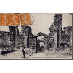04 - Les  Alpes Pittoresques - Le château de la Cazette à travers les ruines d