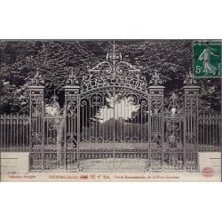 10 - Estissac  ( Aube ) Porte Monumentale de la place Caroline - Voyagé - Dos