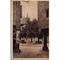 12 - Millau ( Aveyron) - Place de l'hôtel de ville - Voyagé - Dos divisé