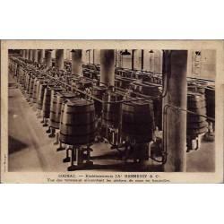 16 - Cognac - Etablissements JA HENNESSY & C - Vue des tonneaux alimentant les