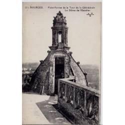 18 - Bourges - Plate-forme de la tour de la Cathédrale - Le dôme de l'Escalier