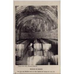 21 - Hospices de Beaune - Une cave des Hospices sous un vieux bastion de l'épo