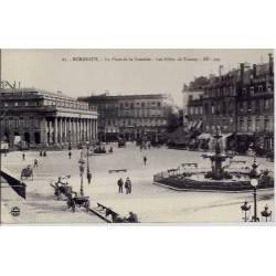 33 - Bordeaux - La place de la comédie - Les allées de Tourny - Non voyagé - D