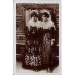 35 - Saint Gildas de Rhuys - Jeunes filles de saint Gildas de Rhuys -Voyagé -