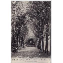 36 - Issoudun - Parc du pélerinage de Notre-Dame du-sacré-coeur - Allée de Not
