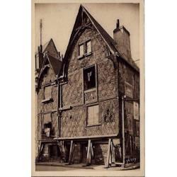 37 - Tours - Vieille maison de la place Foire le-roi -Voyagé - Dos divisé