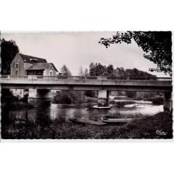 37 - Reignac -Le pont et le moulin - Voyagé - Dos divisé