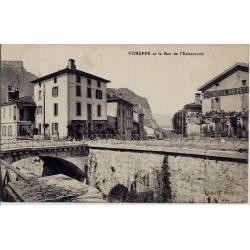 38 - Voreppe et le bec de l'Echaillon - Voyagé - Dos divisé