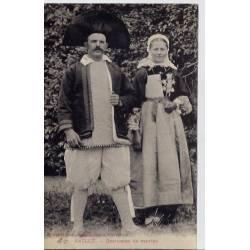 44 - Saillé - Costumes de mariés - Non voyagé - Dos divisé