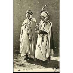 Algerie - Deux fauconniers et leusrs faucons