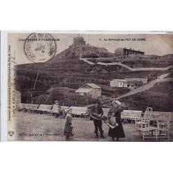 63 - Puy de Dôme -  L'auvergne pittoresque - Au sommet du Puy de Dome - Non vo
