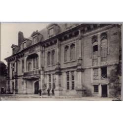 02 - Villers-Cotterêts - Château de François 1er - Façade sur la cour d'Honn...