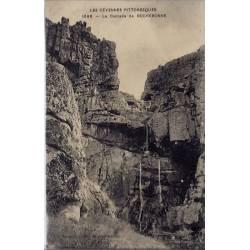 07 - Rochebonne - La cascade - Les cévennes pittoresques - Voyagé - Dos divi...