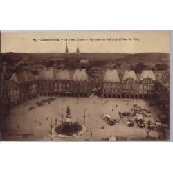 08 - Charleville - La place Ducale - Vue prise du Beffroi de l' Hôtel de Vil...